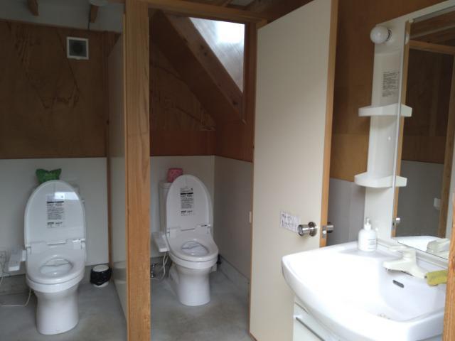 画像: 筆者撮影「ウォシュレットトイレで安心」