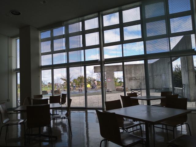 画像: 筆者撮影「ビジターセンターの休憩所」