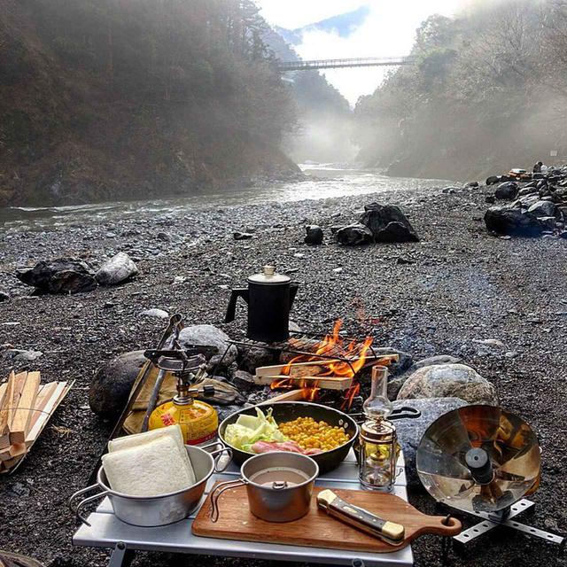 画像: 【ソロキャンプ料理】初心者でも簡単に作れるキャンプ飯レシピを紹介!