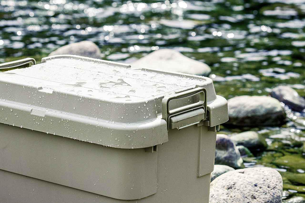 画像: 雨が降っても容器の中に水が入らないフタ形状