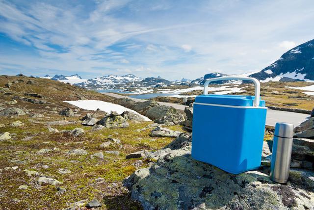 画像: 保冷力抜群のクーラーボックスを使って快適なキャンプを楽しもう!