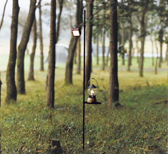 画像: 【注目リリース】LOGOS(ロゴス)から1本足のランタンポール「アイアンランタンポール3WAY」が誕生! - ハピキャン(HAPPY CAMPER)