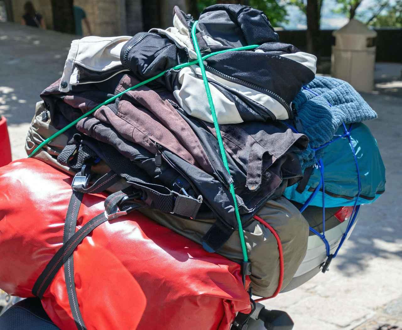 画像: 【ポイント3】荷物を積載する場所を確認する 原付バイクはリアキャリアなどで収納力をあげるのがおすすめ