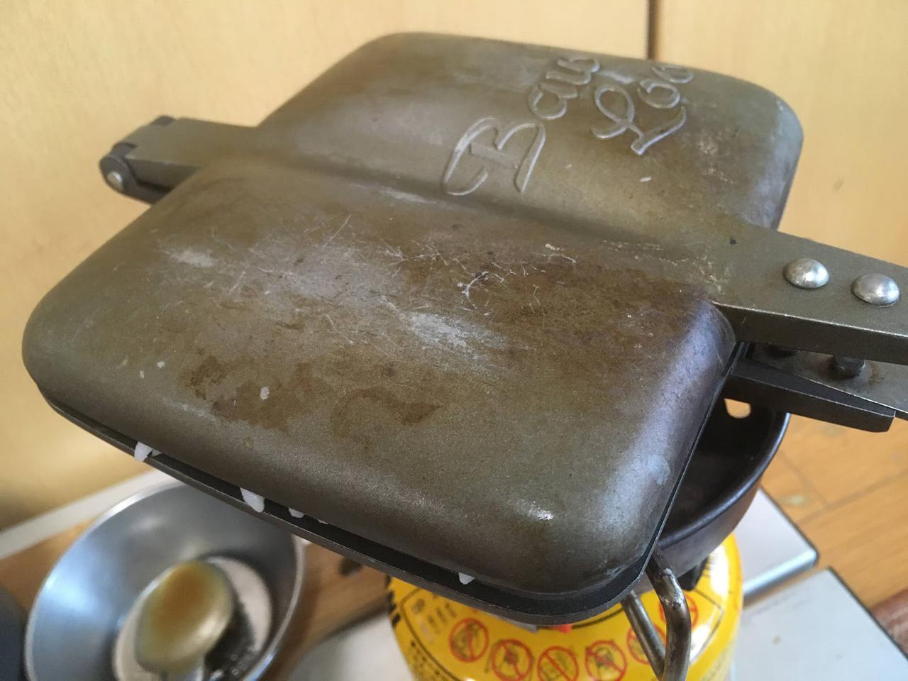 画像: 筆者撮影 お米は挟んで温める。