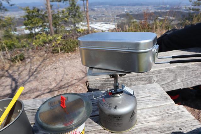画像: キャンプの調理アイテムはトランギアで決まり! メスティン・ケトルなど揃えるとシンプルでオシャレ!