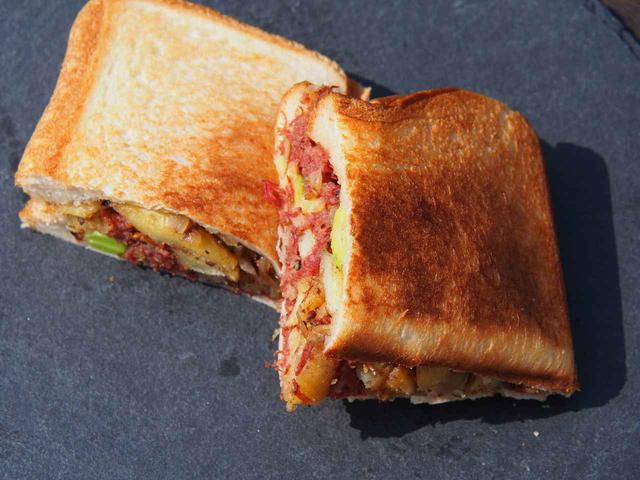 画像: 【缶詰でホットサンド】お家で手軽に出来る!ホットサンドレシピ3選(パート2) - ハピキャン(HAPPY CAMPER)