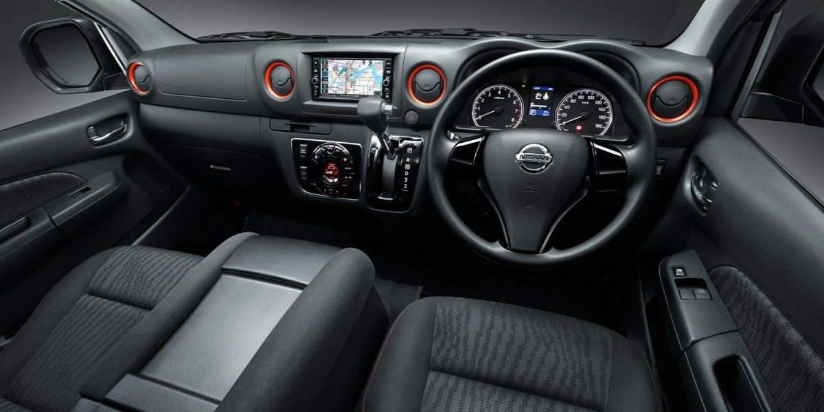 画像5: https://www3.nissan.co.jp/vehicles/new/nv350caravan/specifications/black_gear.html