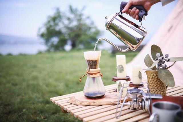 画像: 【まとめ】キャンプのコーヒーの楽しみ方を伝授! 淹れ方から基本の道具まで コーヒーミル・パーコレーターのおすすめも紹介 - ハピキャン(HAPPY CAMPER)