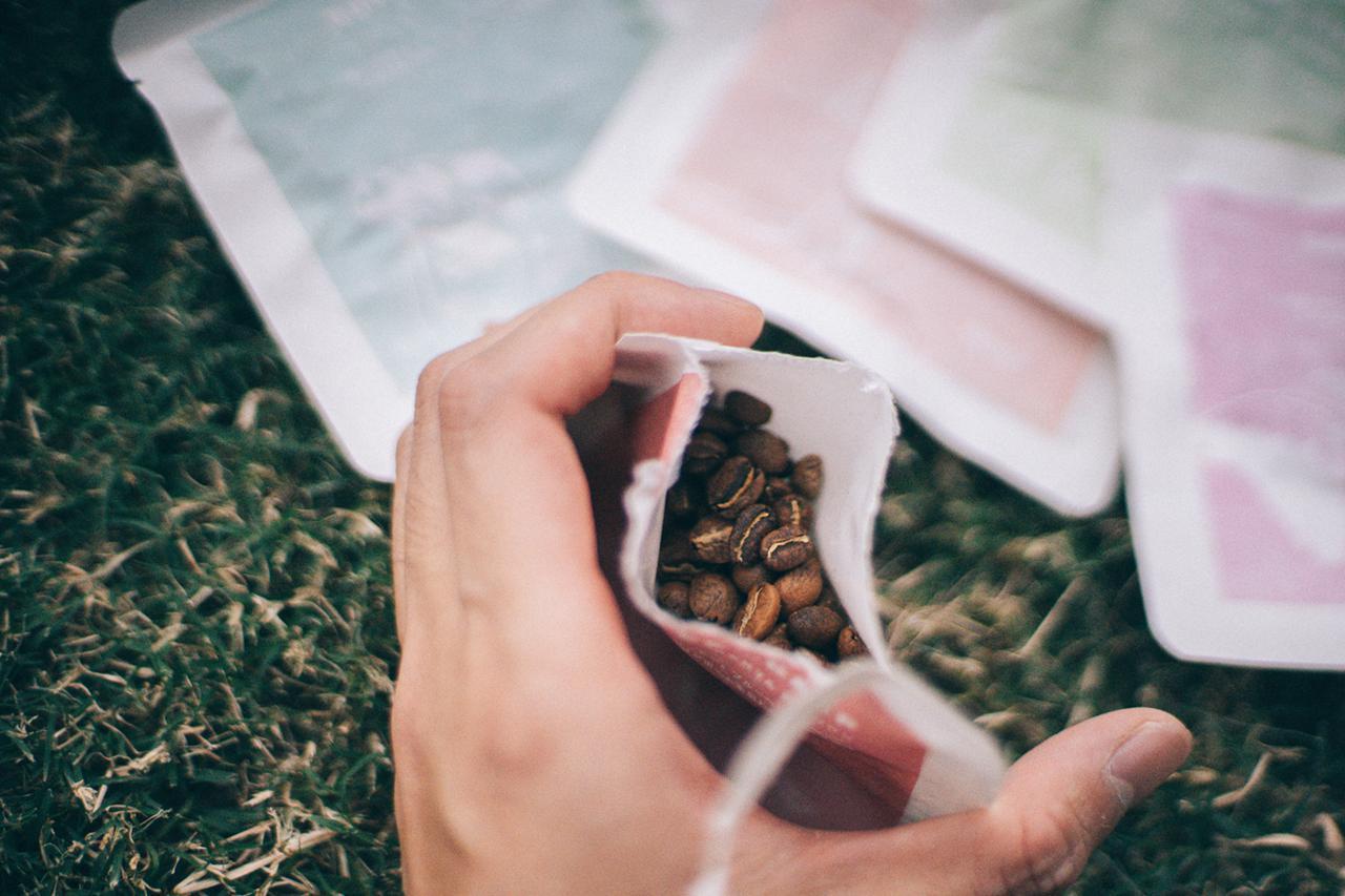 画像2: 真空化された1杯分のコーヒーをアウトドアで楽しもう!