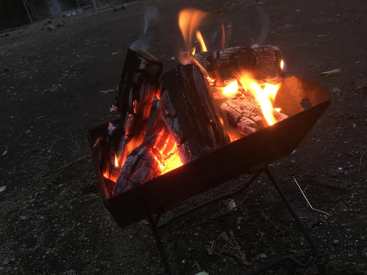 画像: 筆者撮影 焚き火の育成ゲーム…?