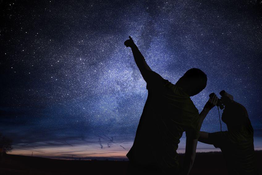 画像: 「ふたご座流星群」とは?「ふたご座流星群」の天体観測は12月の風物詩です!