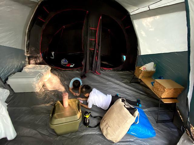 画像: ライター撮影 テント内は広々
