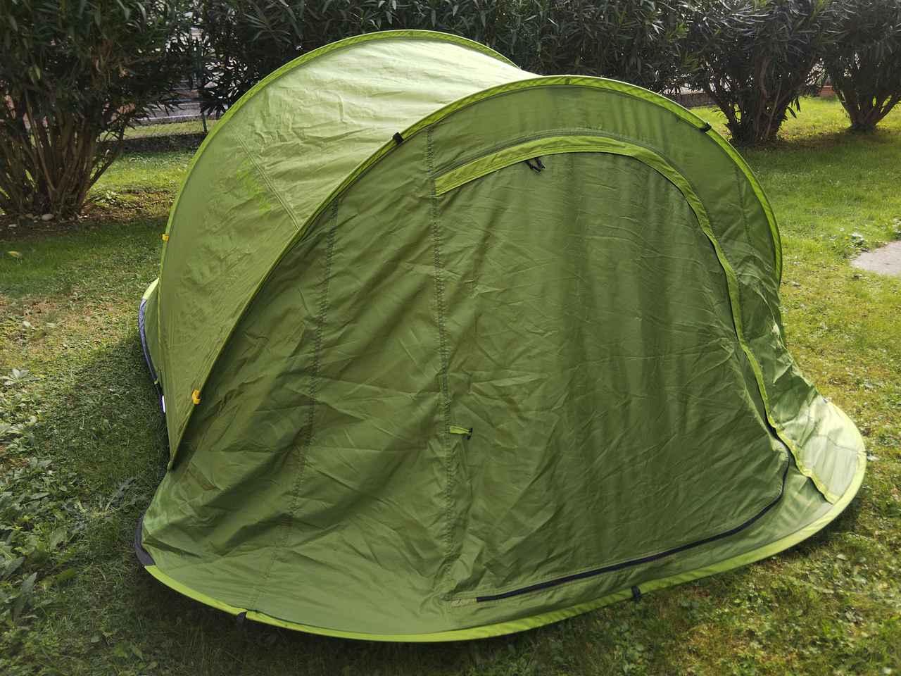 画像: 一瞬でテント設営が可能 (筆者撮影)