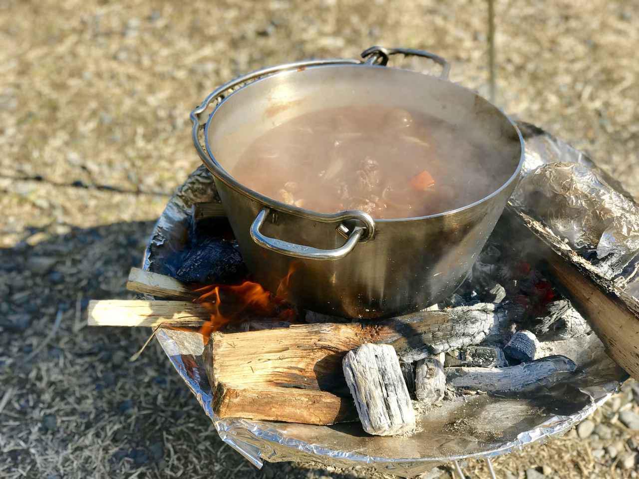 画像: 【ダッチオーブンの選び方】定番は鋳鉄製! シーズニング不要なステンレス製も便利