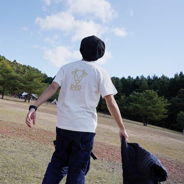 画像: 男性は170cmでMサイズを着用。