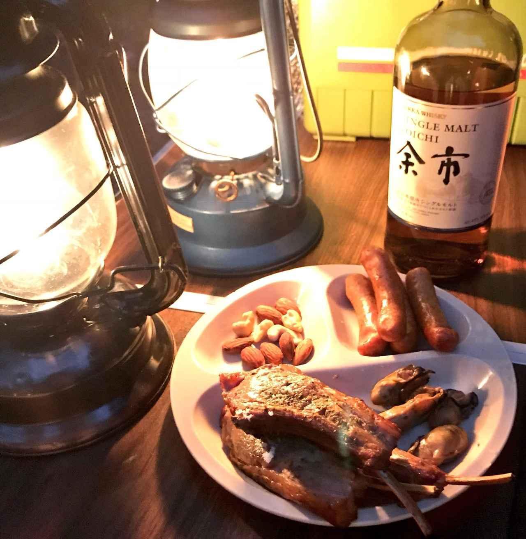 画像: 【燻製おつまみの作り方】燻すだけで下ごしらえなし 塩サバなど厳選おすすめ食材7種 - ハピキャン(HAPPY CAMPER)