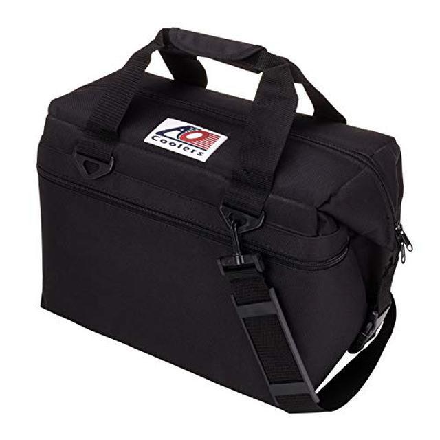 画像1: 【レビュー】「AOクーラーズ」の保冷バッグはキャンプに最適! 最強の保冷力&軽量さが魅力