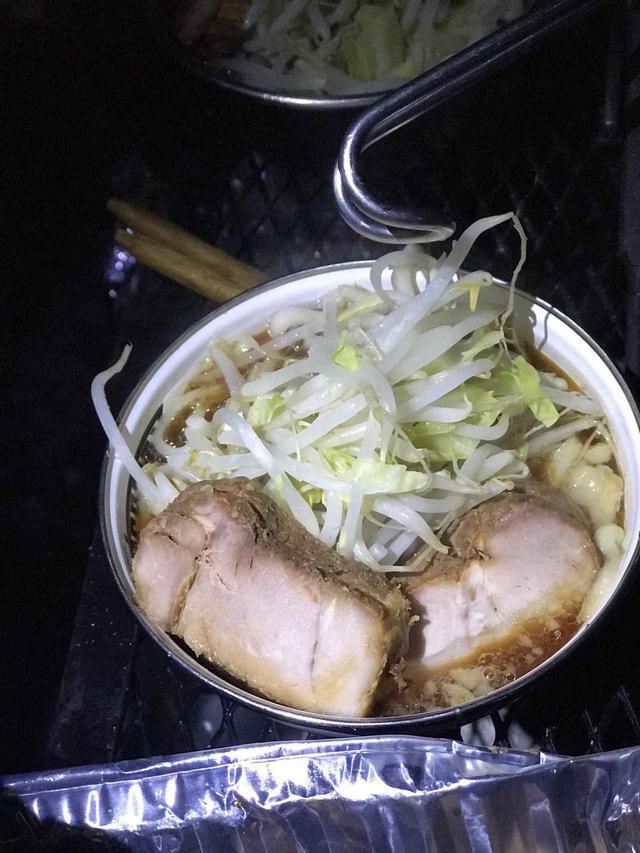 画像: 【簡単レシピ】キャンプ場で作れる自作二郎系こってりラーメンの作り方をご紹介!! - ハピキャン(HAPPY CAMPER)