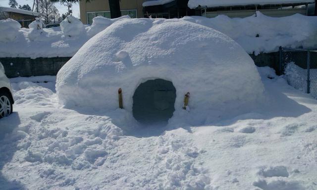 画像: スタイル② 雪中キャンプ=「かまくら」 実は宿泊には不向き!リビング代わりに作ってみよう!