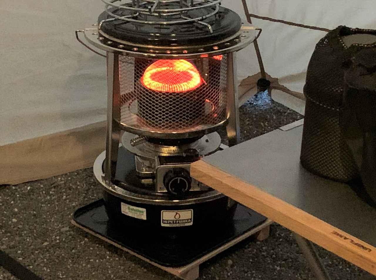 画像: 【ポイント2】テント内外で使えるストーブは冬キャンプでは重宝するが、過信は禁物