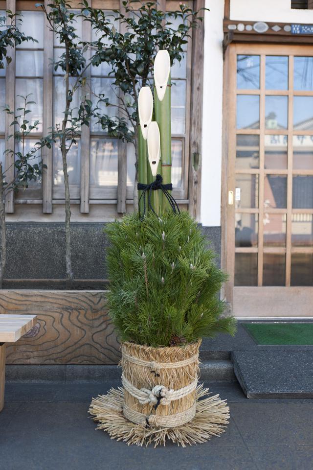 画像: 立派な門松のイメージ