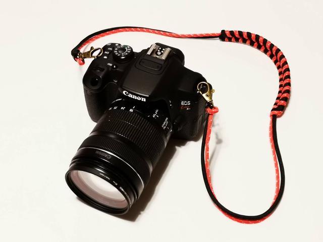 画像: 筆者撮影 フィッシュテールのネックストラップ