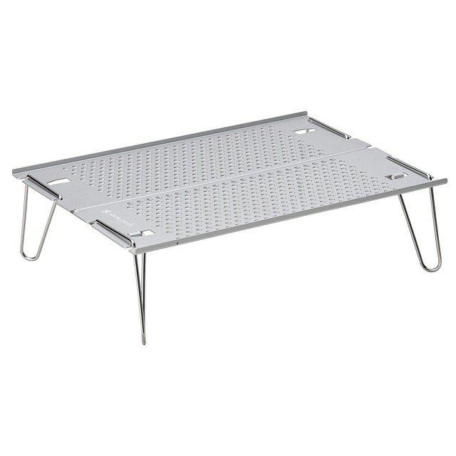 画像1: 【ソロキャンプギア】軽量で折り畳み可!コンパクトで使いやすいアウトドアテーブル9選