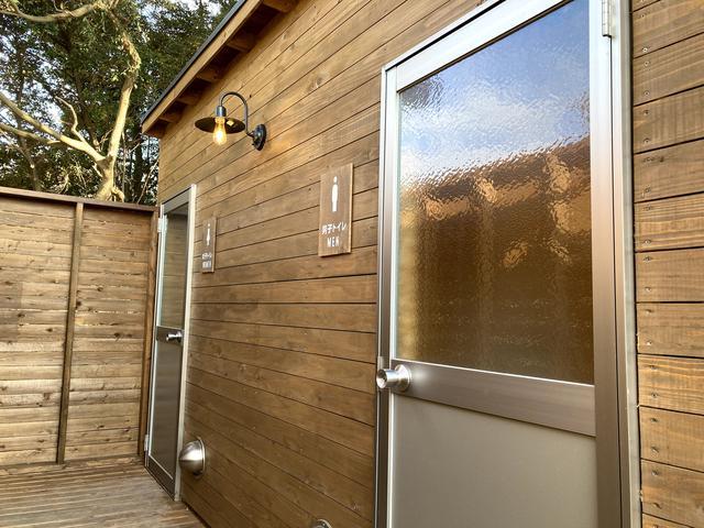 画像: 筆者撮影:まだオープンして1年たっていないせいか、トイレも木の香りがしました。