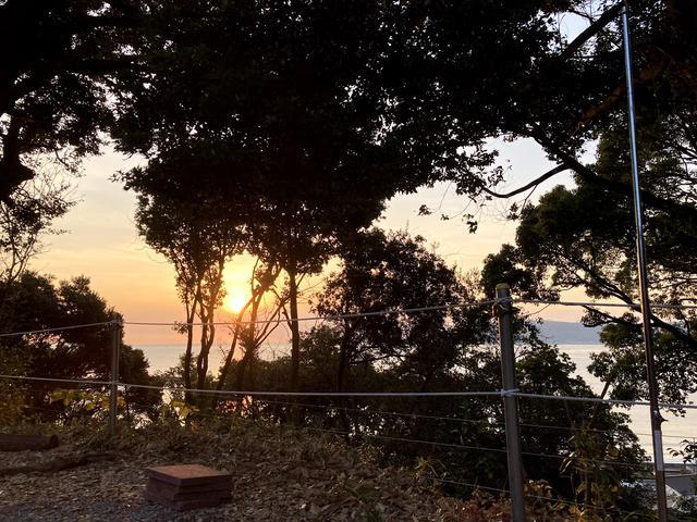 画像: 筆者撮影:3番サイトからは日の出の頃の眺めも最高です。