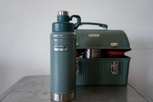 画像: 【筆者愛用】Stanley(スタンレー)のクラシック真空ウォーターボトルは家では魔法瓶代わりになって便利!家でもキャンプギアを使いこなそう! - ハピキャン(HAPPY CAMPER)