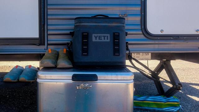 画像: 【YETI(イエティ)のソフトクーラー】汚れにくい&保冷力抜群&スタイリッシュなおすすめアイテム - ハピキャン(HAPPY CAMPER)