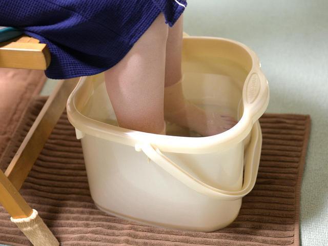 画像: 冬キャンプで足湯を楽しもう! 自宅でのお掃除などにもおすすめな折りたたみバケツ7選 - ハピキャン(HAPPY CAMPER)