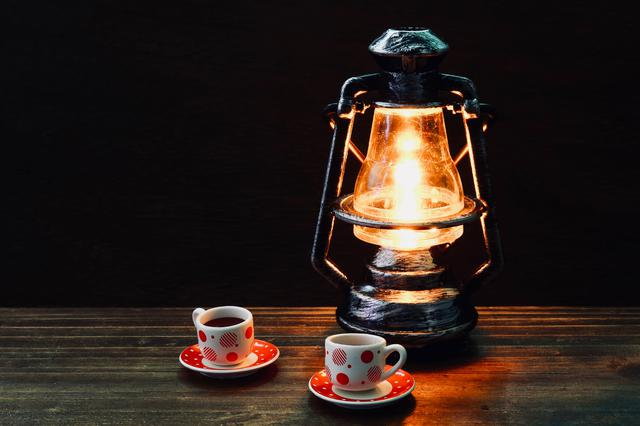 画像: 取り扱い簡単なLEDランタンがおすすめ! キャンプサイトをおしゃれに照らして雰囲気を楽しもう!