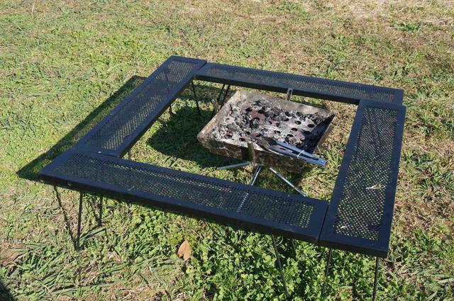 画像: 尾上製作所(ONOE)『マルチファイアテーブル』を紹介! 家族でも安全にBBQや焚き火が出来る! - ハピキャン(HAPPY CAMPER)