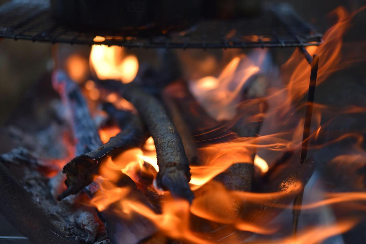 画像: belmont(ベルモント)の焚き火台『TOKOBI』と『TABI』をご紹介! 焚き火台を使うときの注意点も - ハピキャン(HAPPY CAMPER)