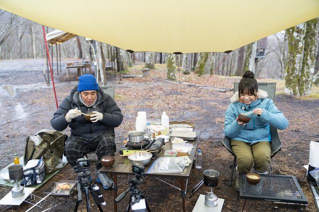 画像1: photographer 吉田 達史 (シーズン18「バイきんぐ・西村流  冬のお泊まりキャンプに挑戦」より)