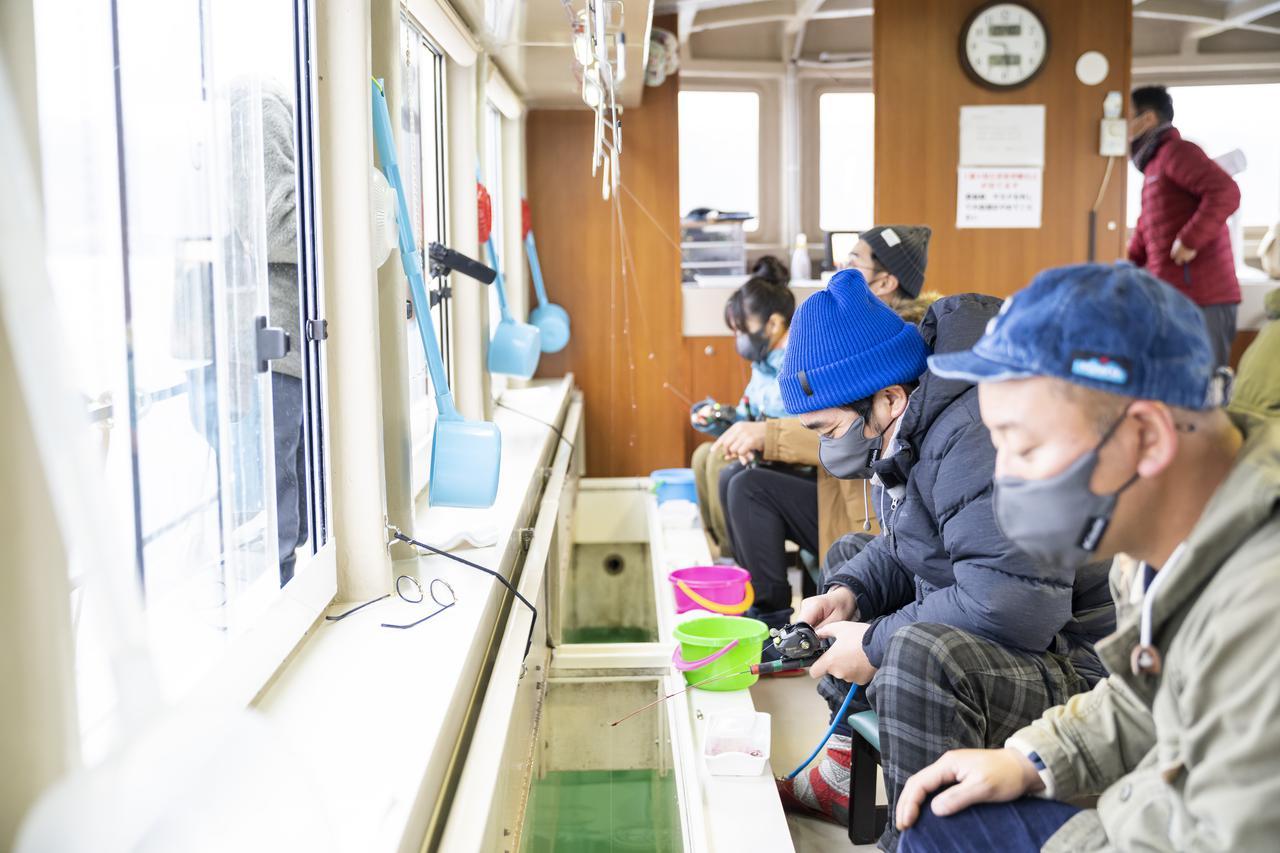 画像1: photographer 吉田 達史(シーズン18「バイきんぐ・西村流  冬のお泊まりキャンプに挑戦」より)