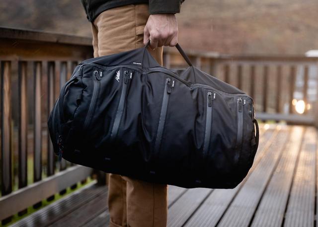 画像1: 「SEG42 One Bag」の持ち運び方は3種類