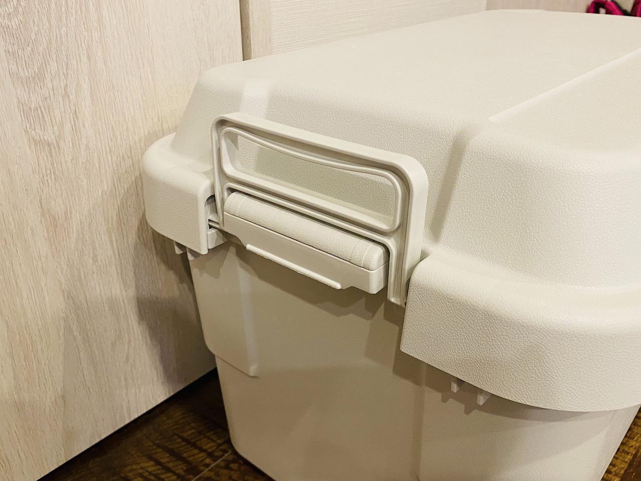 画像: ライター撮影 「ポリプロピレン頑丈収納ボックス(大)」の持ち手部分