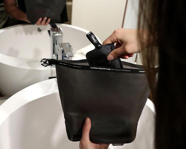 画像: 【注目リリース】防水だけじゃない!乾燥させる歯ブラシケース!石鹸や歯ブラシを清潔に持ち運ぶなら、Matador(マタドール)の画期的なケースで - ハピキャン(HAPPY CAMPER)