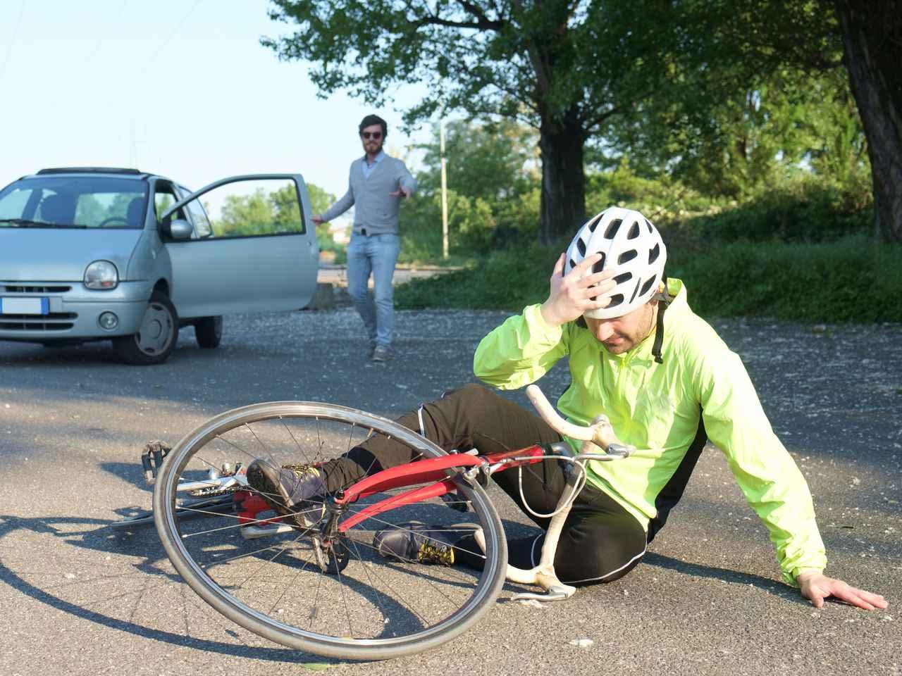 画像: 【ヘルメットは自転車の必須アイテム】スピードの出るロードバイクは要注意 命を守るためヘルメット着用必須!