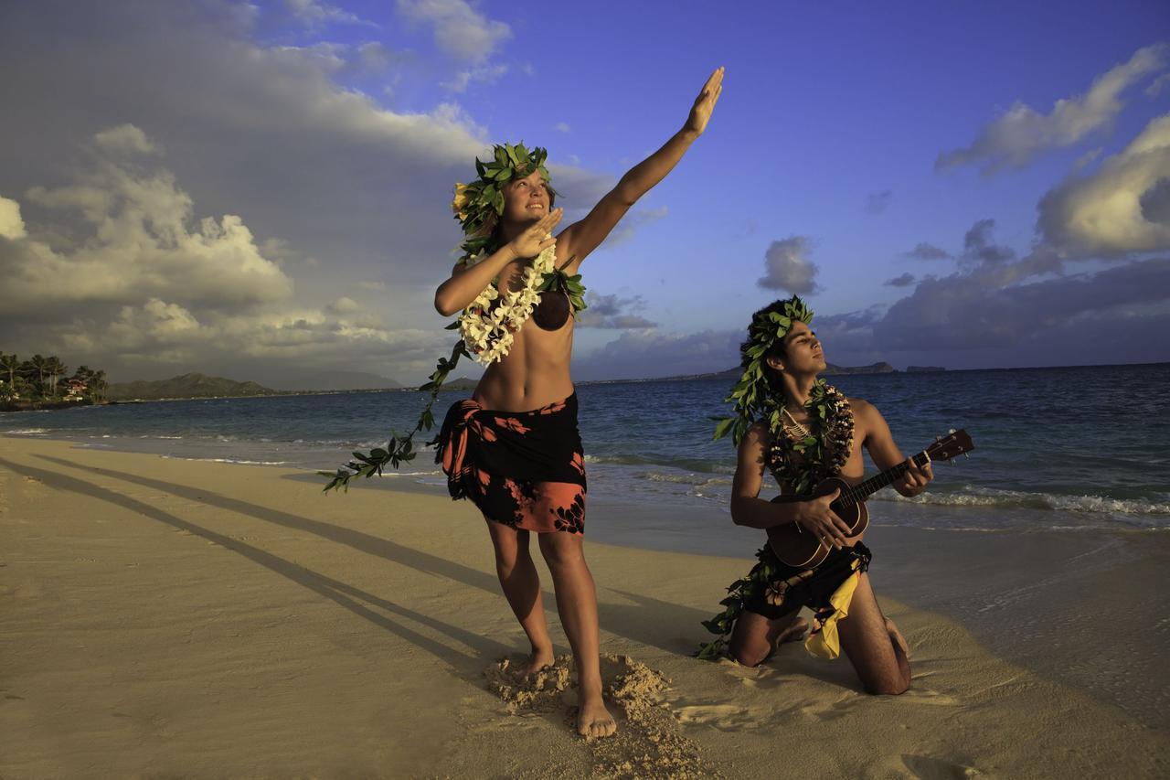 画像: 【初心者でも弾けちゃう曲2】ハワイアンの定番曲!ウクレレっぽいサウンドを鳴らしたいなら!「アロハ・オエ」