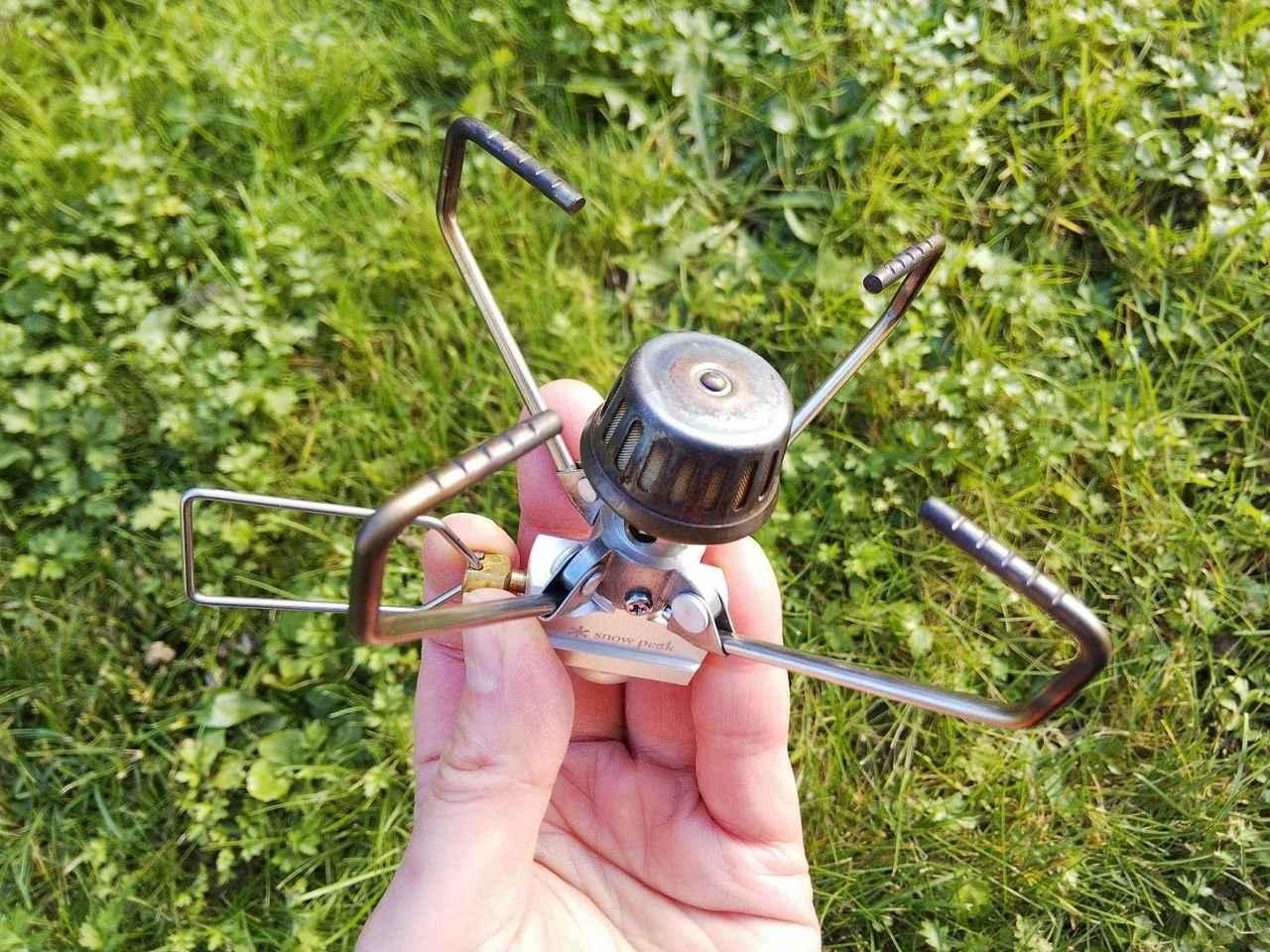 画像: 収納時はコンパクトなのにゴトクを広げると直径10.6cmに! (筆者撮影)