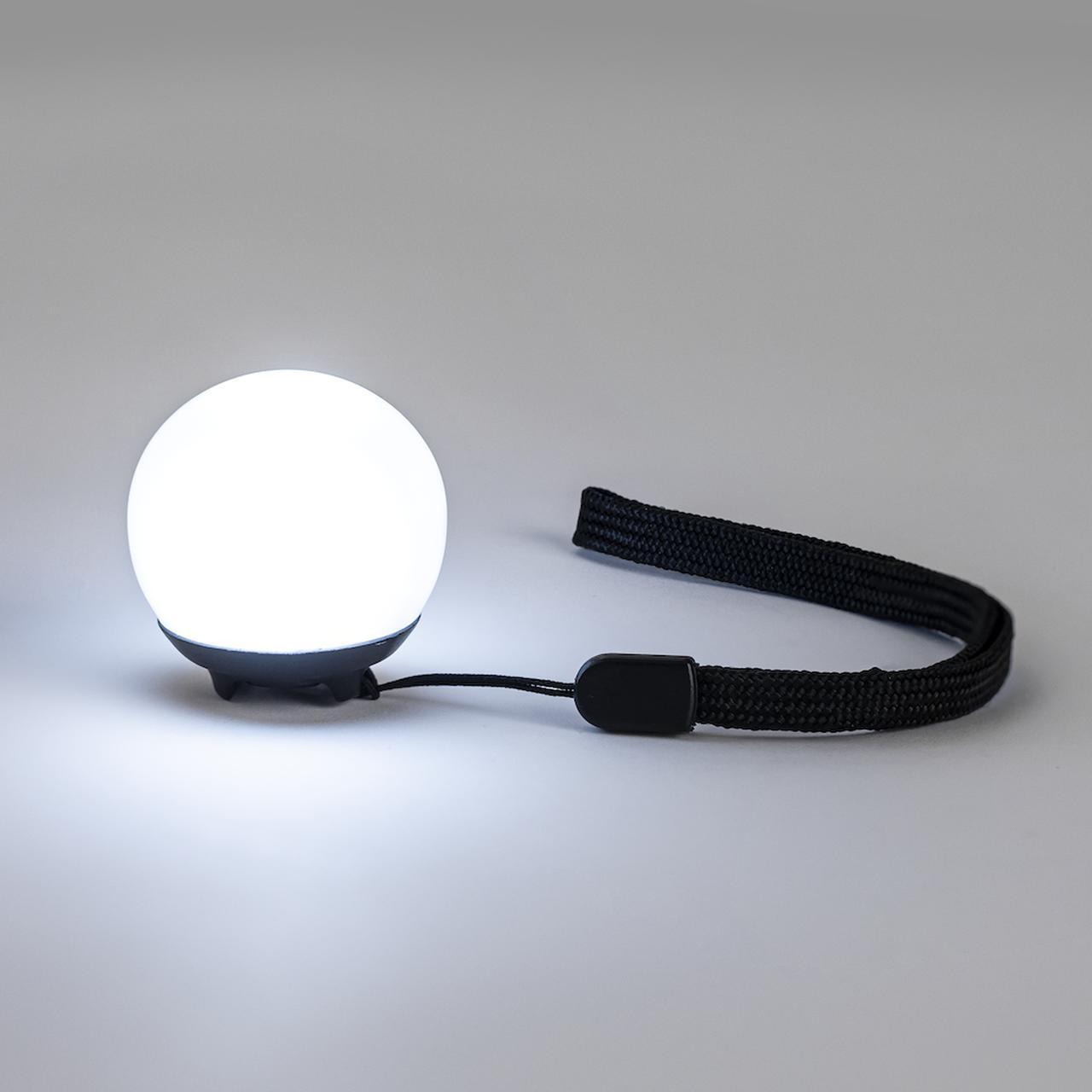 画像1: 置いても、引っ掛けても使える小型のライト
