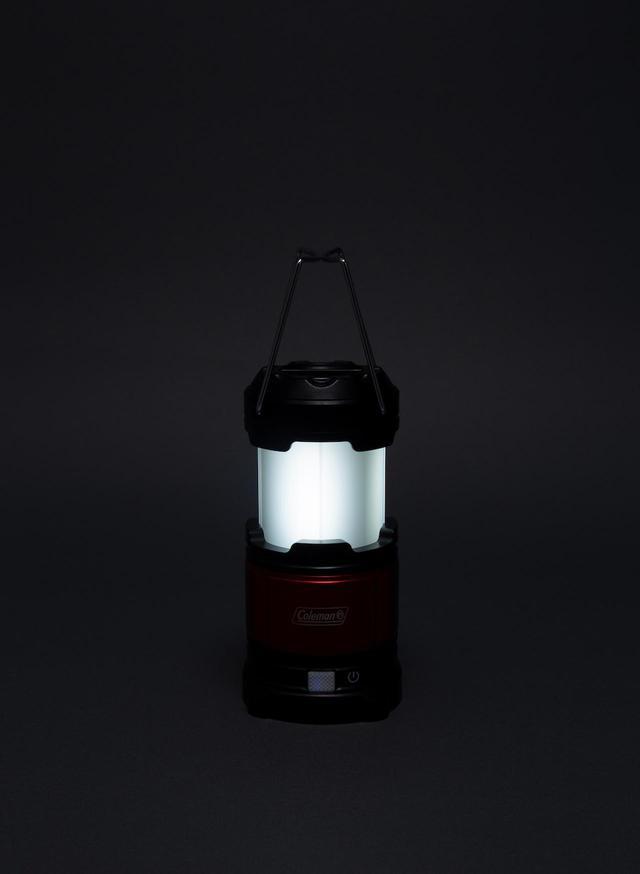 画像: 白い明かりはテーブルライトとして(White High)