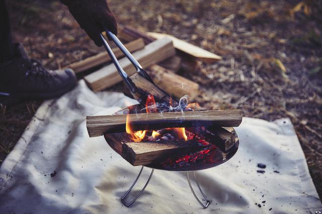 画像: 大き目の薪も搭載可能