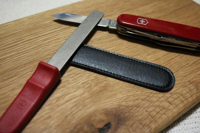 画像: ナイフやマルチツールの切れ味を復活! ビクトリノックスの『ダイヤモンドシャープナー』をレビュー - ハピキャン(HAPPY CAMPER)