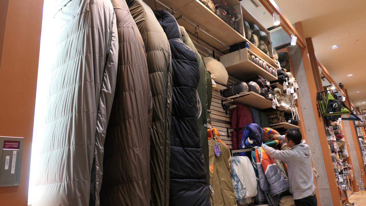画像: 【寝袋の選び方】冬キャンプの必需品・ダウンのシュラフの特徴とポイントを徹底解説! - ハピキャン(HAPPY CAMPER)
