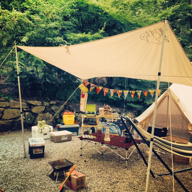 画像: タープとは? タープの種類とテント横への配置方法 キャンプ初心者の疑問解決