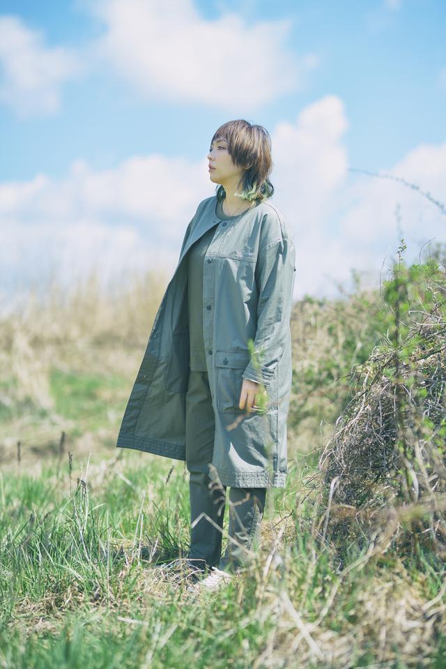 画像: Jacket: Straw Bay W Jacket ¥14,300 Tee: Tree Swallow W Ofz Short Sleeve ¥6,490 Pant: Mountain Bluebird W Pant ¥10,890 Shoes: Myleage Rain Waterproof ¥9,020
